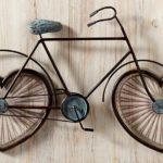 Bicicleta com as rodas de coração para celebrar o amor à vida