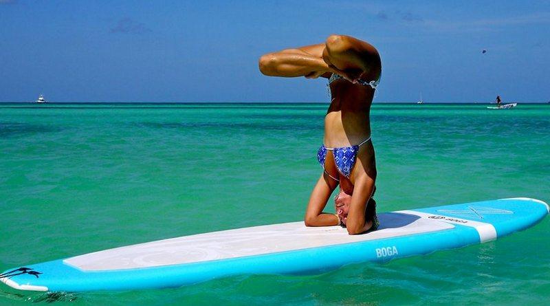 Yoga sobre prancha