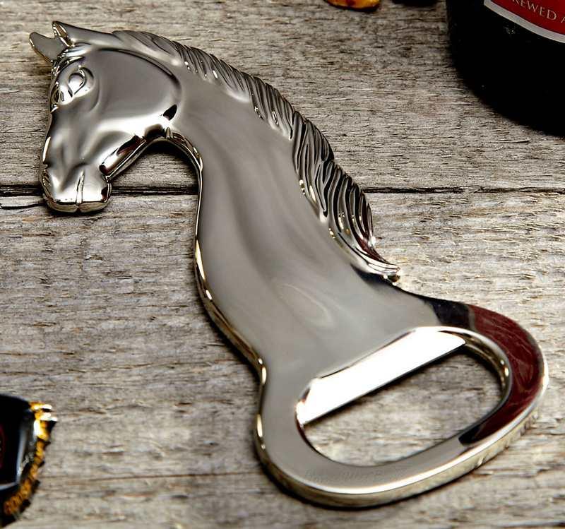Cabeça de cavalo de metal