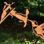Cada árvore do jardim merece um pássaro… mesmo de metal