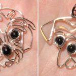 Pingentes para cordões com cachorrinhos modelados em arame