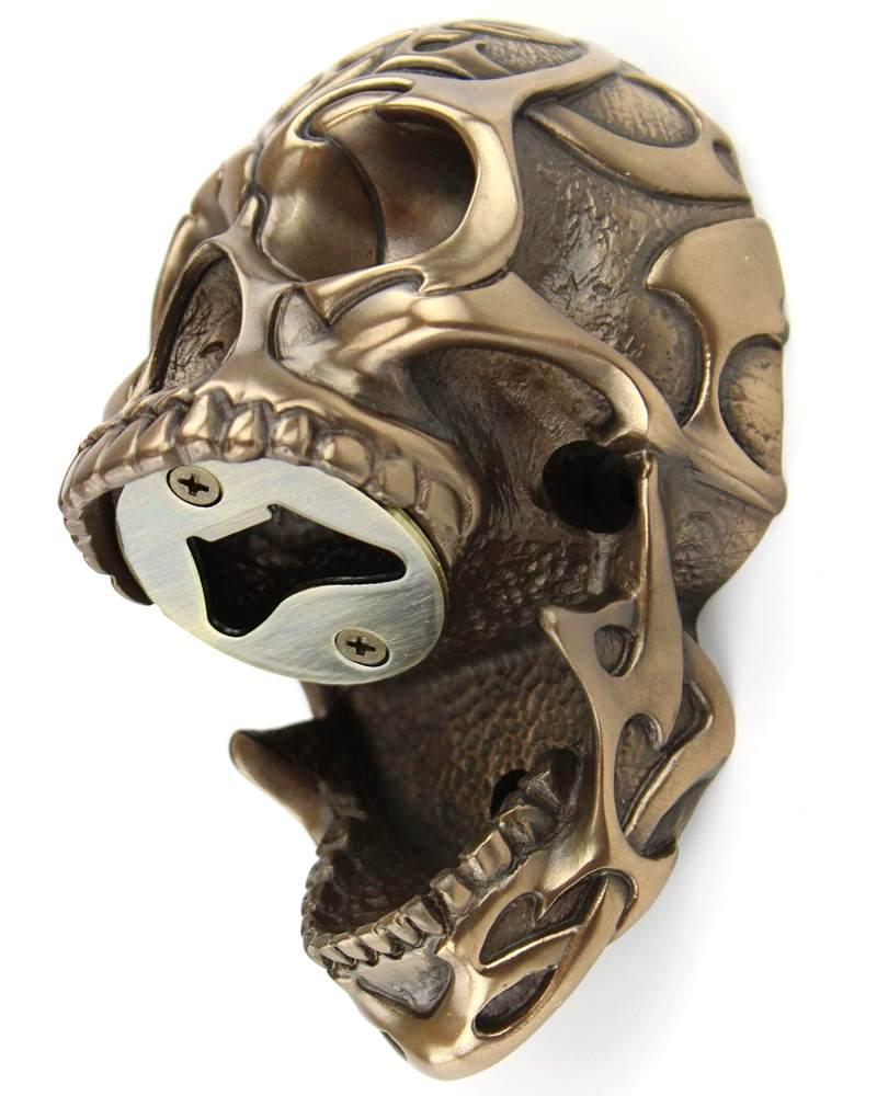 Crânio com desenhos tribais