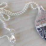 Cabo floral de talher antigo de prata reciclado como pingente