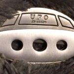 Chaveiros de canivetes com os formatos de OVNI e cabeça de ET