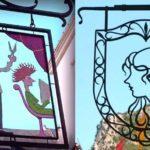 Letreiros para salão de cabeleireiro em aldeia medieval francesa