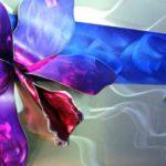 Orquídea em 3D num painel holográfico de alumínio escovado