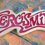 Banda de rock Aerosmith ganha logotipo entalhado em madeira