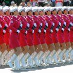 Coreografia dos batalhões femininos da China e Coreia do Norte