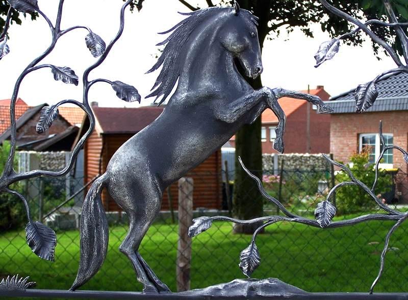 Equino de metal em 3D