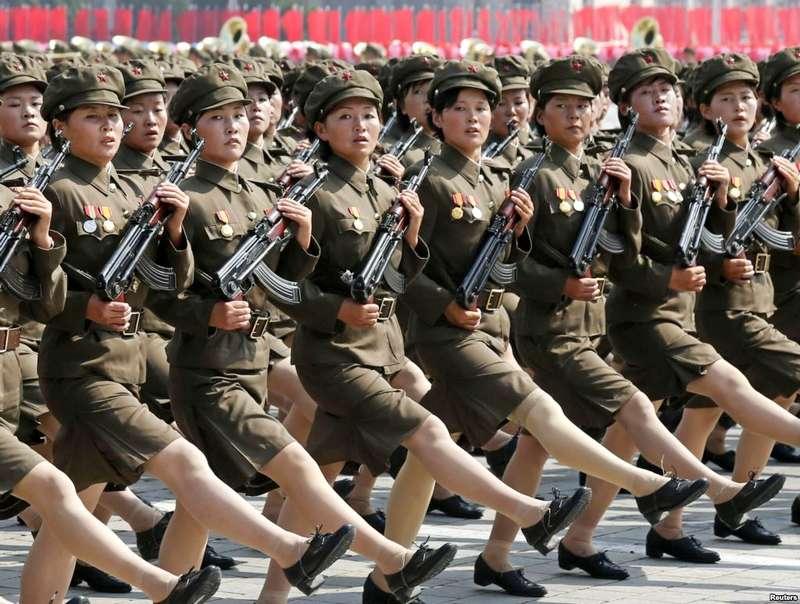 Mulheres marchando para a guerra