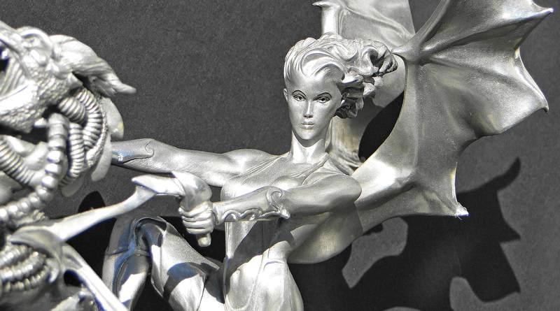 Escultura de mulher alada