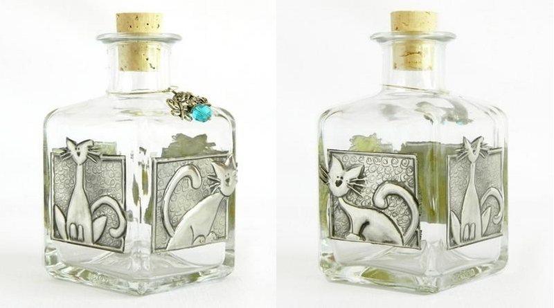 Enfeites para frascos de perfume e bebidas