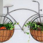 Mini bicicleta retrô de parede com cestos para flores nas rodas