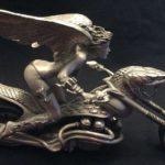 Fantasy Art 3D: mulher alada de biquini em moto cobra custom