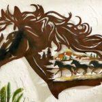 Cavalo em painel de metal para casa de campo, fazenda e haras