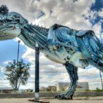 Esculturas de animais com metal reciclado em tamanho natural
