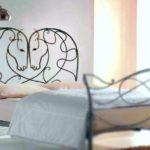 Serralheria em Petrópolis fabrica cabeceira de cama com cavalos