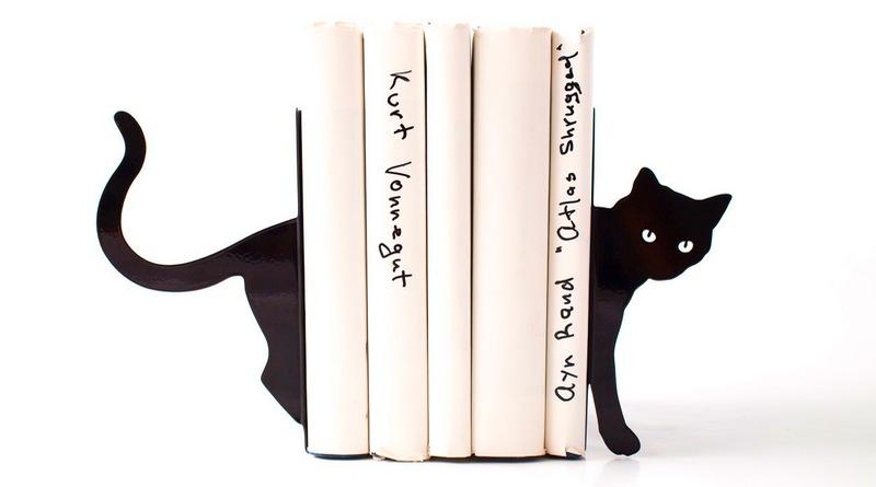 Decoração literária de prateleira