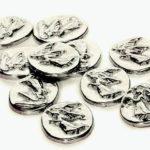 Tradição cristã: moeda com anjo de pewter atrai proteção