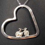 I Love Bike – pingente esportivo com bicicleta dentro do coração