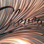 Letreiros e painéis comerciais com chapas de alumínio escovado