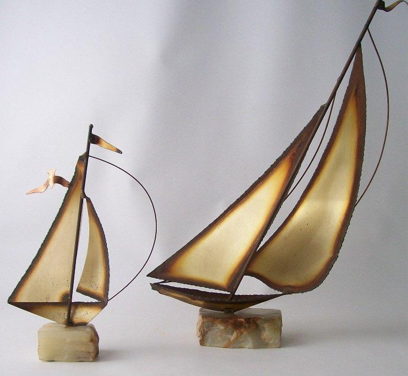 Réplica em miniatura de barco a vela