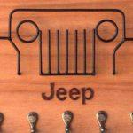 Ganchos porta-chaves e envelopes com grade de Jeep em arame