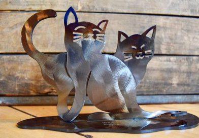 Silhuetas escovadas de gatos