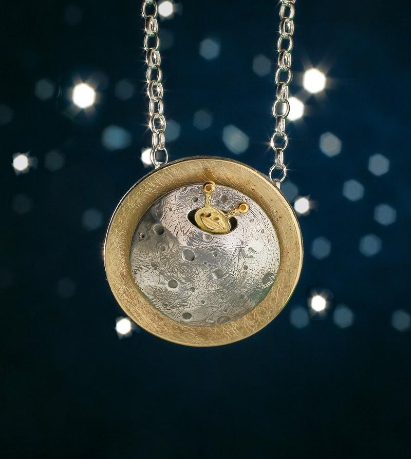 Base alienígena na Lua