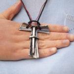 Símbolo franciscano TAU com cravo tamanho grande