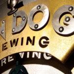 Logo de cerveja artesanal em placa 3D com a marca de metal