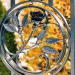 Ornamentos florais de ferro forjado para portão com grades
