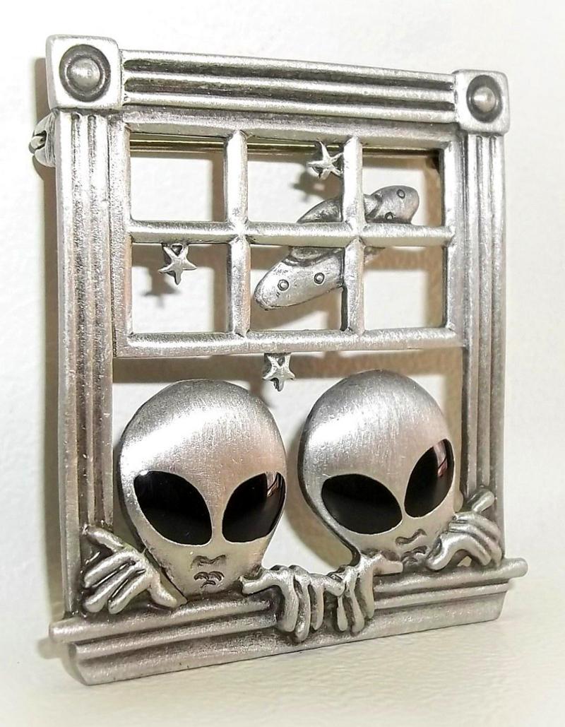 Bijuteria com extraterrestres