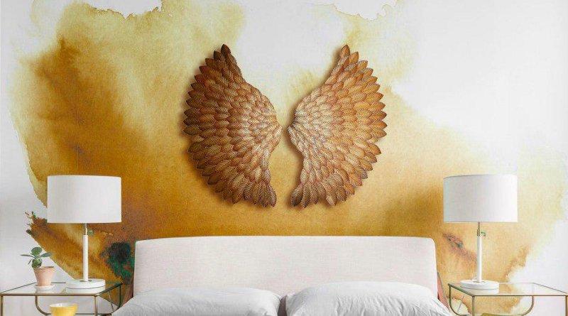 Enfeite em cabeceira de cama