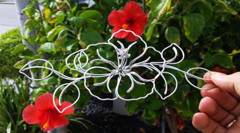 Flor metálica em 3D