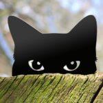 Gato preto em silhueta de metal para enfeitar vasos e jardins