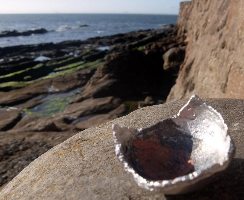 Tigela de bronze com prata