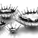 Na dinâmica do movimento tigelas espirram metal para os lados