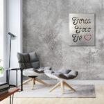 Frase Força, Foco e Fé em painel de madeira metalizada em prata