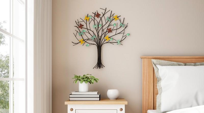 Árvore da Vida com borboletas de metal
