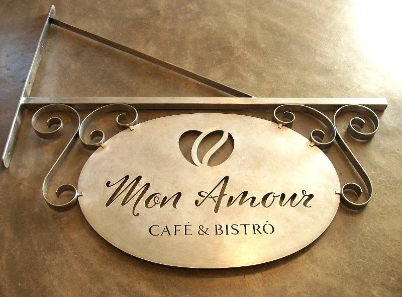 Letreiro estilo medieval para café