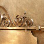 Letreiro vintage de ferro forjado com placa dupla face retangular