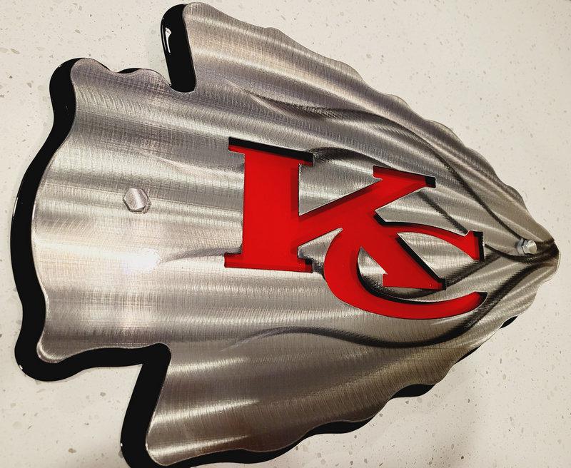Painel com ponta de flecha do KC Chiefs